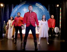 Community Season 3: A Glee-ful Christmas